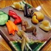 """鳥谷恵生 株式会社ソーラーファーム社長さんはTwitterを使っています: """"日本一お漬物で有名な愛媛県西予市にある松屋旅館さんのお漬物。 こちらのぬか床は、250年も前から継承されてい..."""